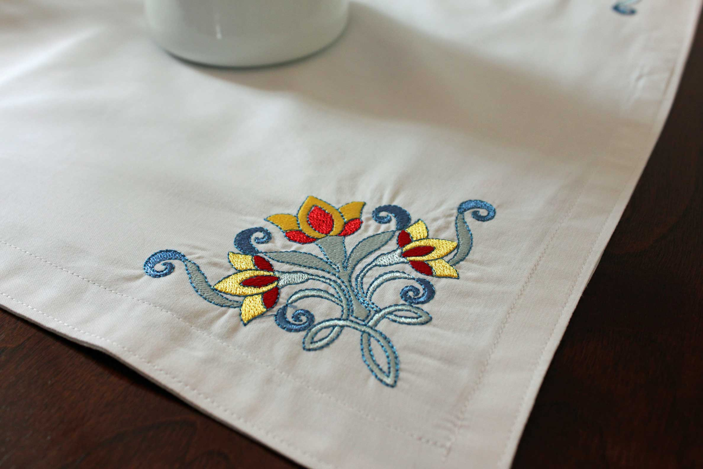 Table Runner Embroidery