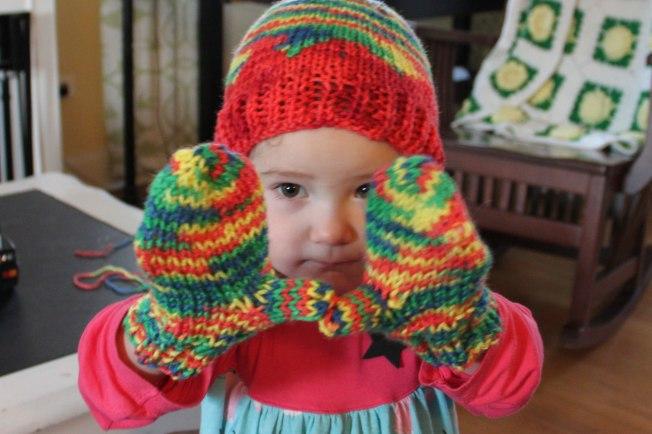 daphne-hat-mittens2